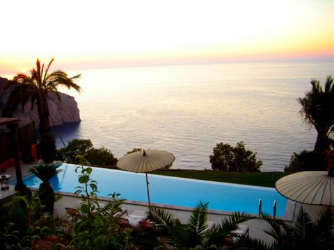 VILLA IN IBIZA