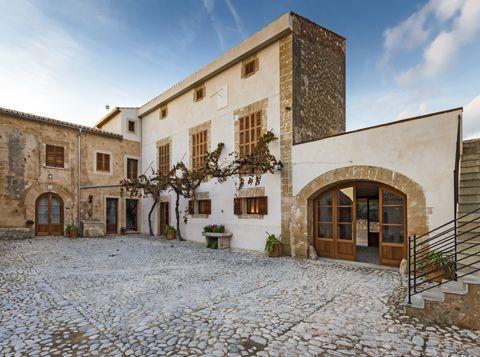 THE ESTATE IN MAJORCA      (Balearic Islands)