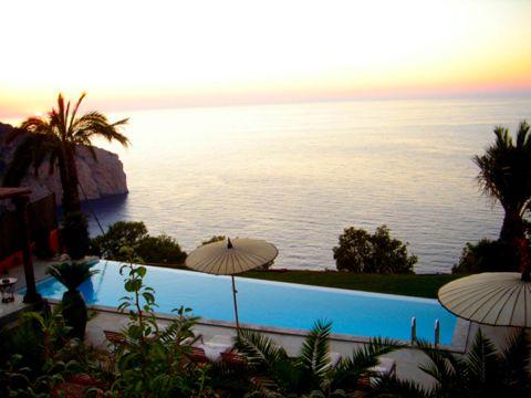 VILLA EN IBIZA  (Islas Baleares)